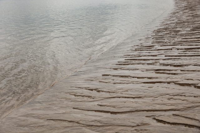 shore line pattern in sand